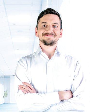 Dr. Ľubomír Poliak | back pain treatment