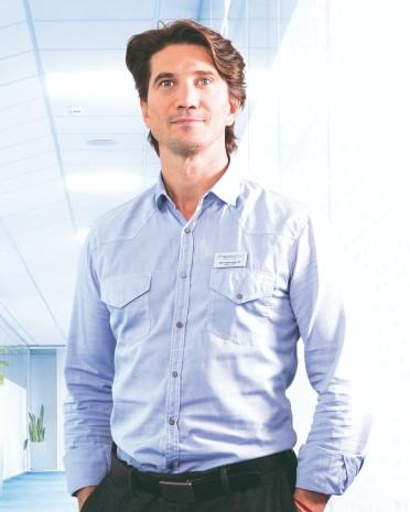 Dr. Róbert Tirpák | back pain treatment